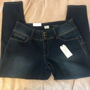 BNWT Style & Co size 16 jeggings